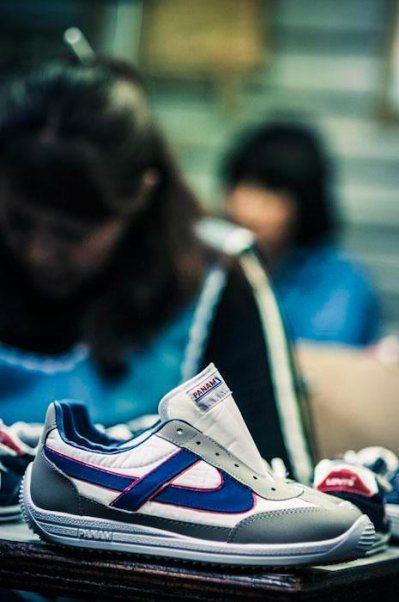 fabricación de las zapatillas Panam